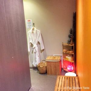 Float room change area